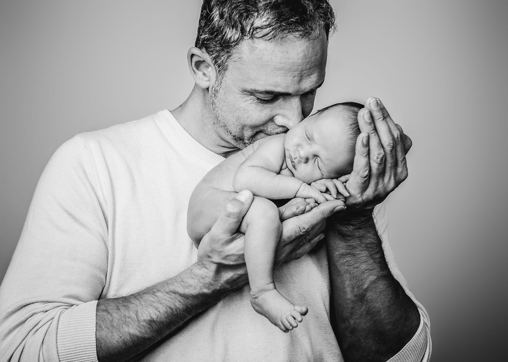 Babyfotoshooting mit Papa
