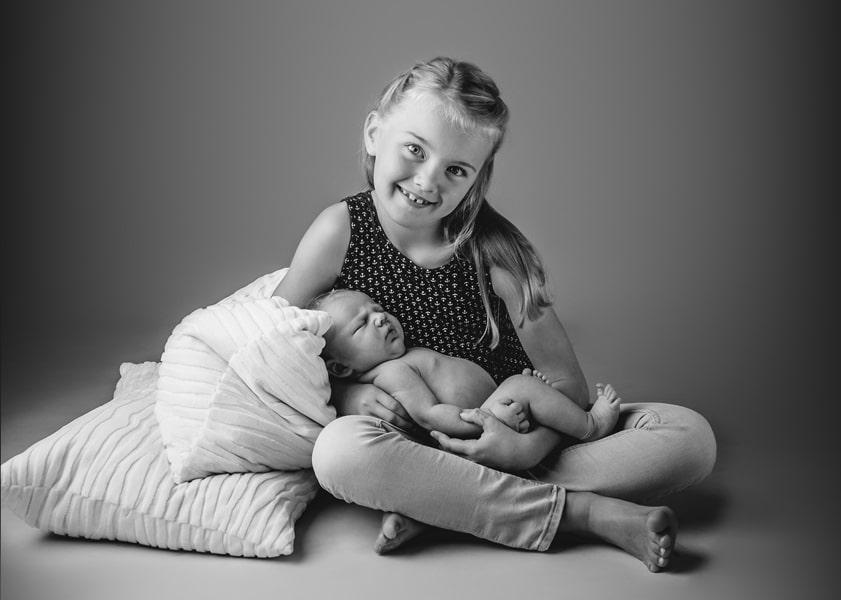 Babyfoto mit Geschwister Schwester Dresden